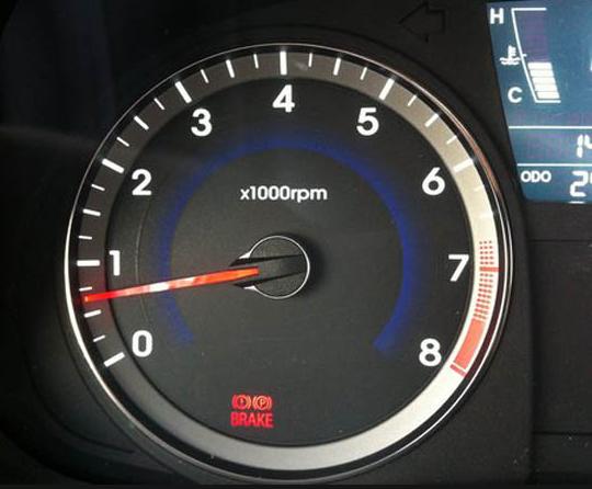 Каждое утро (после ночного простоя) на не прогретом двигателе